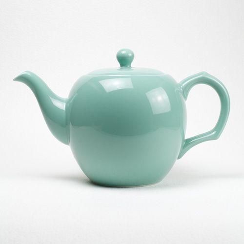 Camellia Sinensis teapot- blue ancien