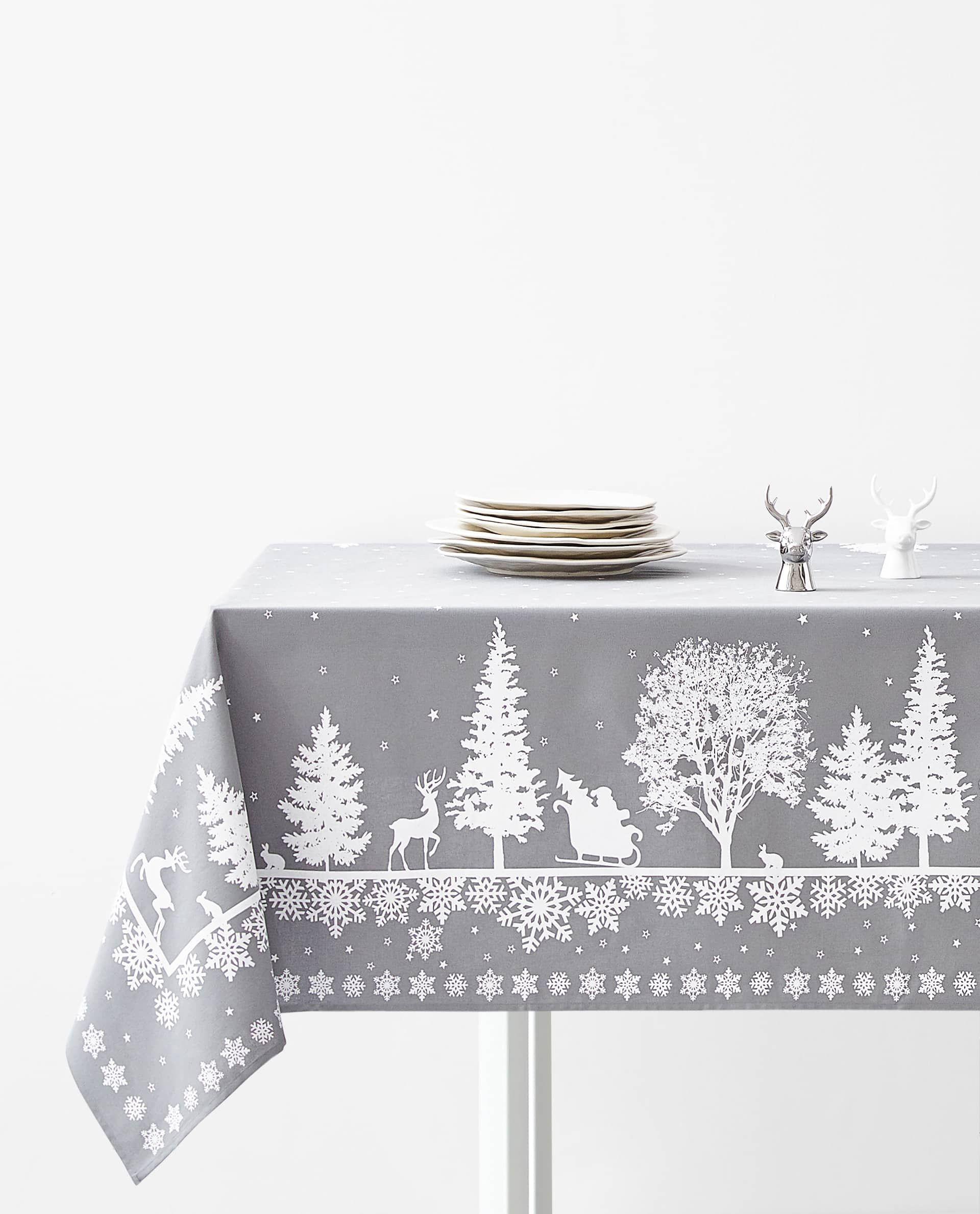 Tischdecke Mit Waldprint Tischdecken Und Servietten Tisch Weihnachten Zara Home Deutschland