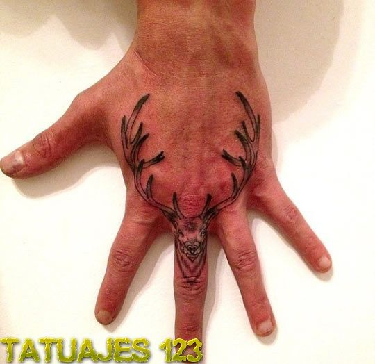 Ciervo En La Mano Tattoos Pinterest