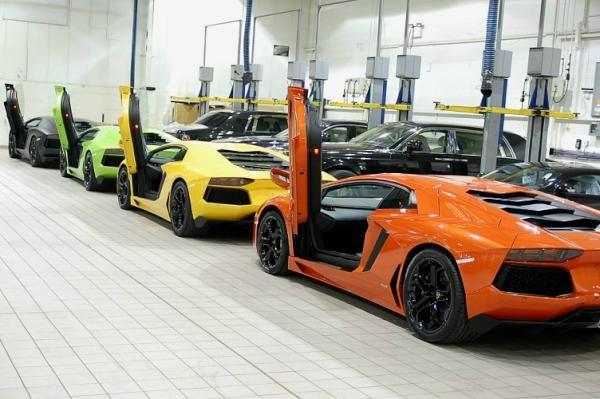 New Lamborghini Aventador mini-rainbow.