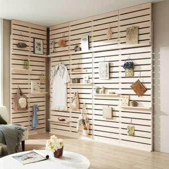 賃貸物件でネックになるのが原状回復問題 壁に穴が開けられないと壁面収納が楽しめませんよね そんな時は自分で自由な壁を作ってしまえばいいんです もちろん 持ち家の方も必見です リビングダイニング 棚 Diy ホーム パレット家具