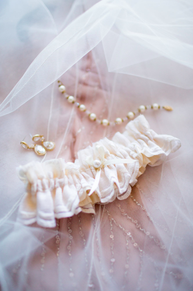 La Gartier Bride Stacy Nicolinis Custom Pearl And Lace Wedding Garter The Used On