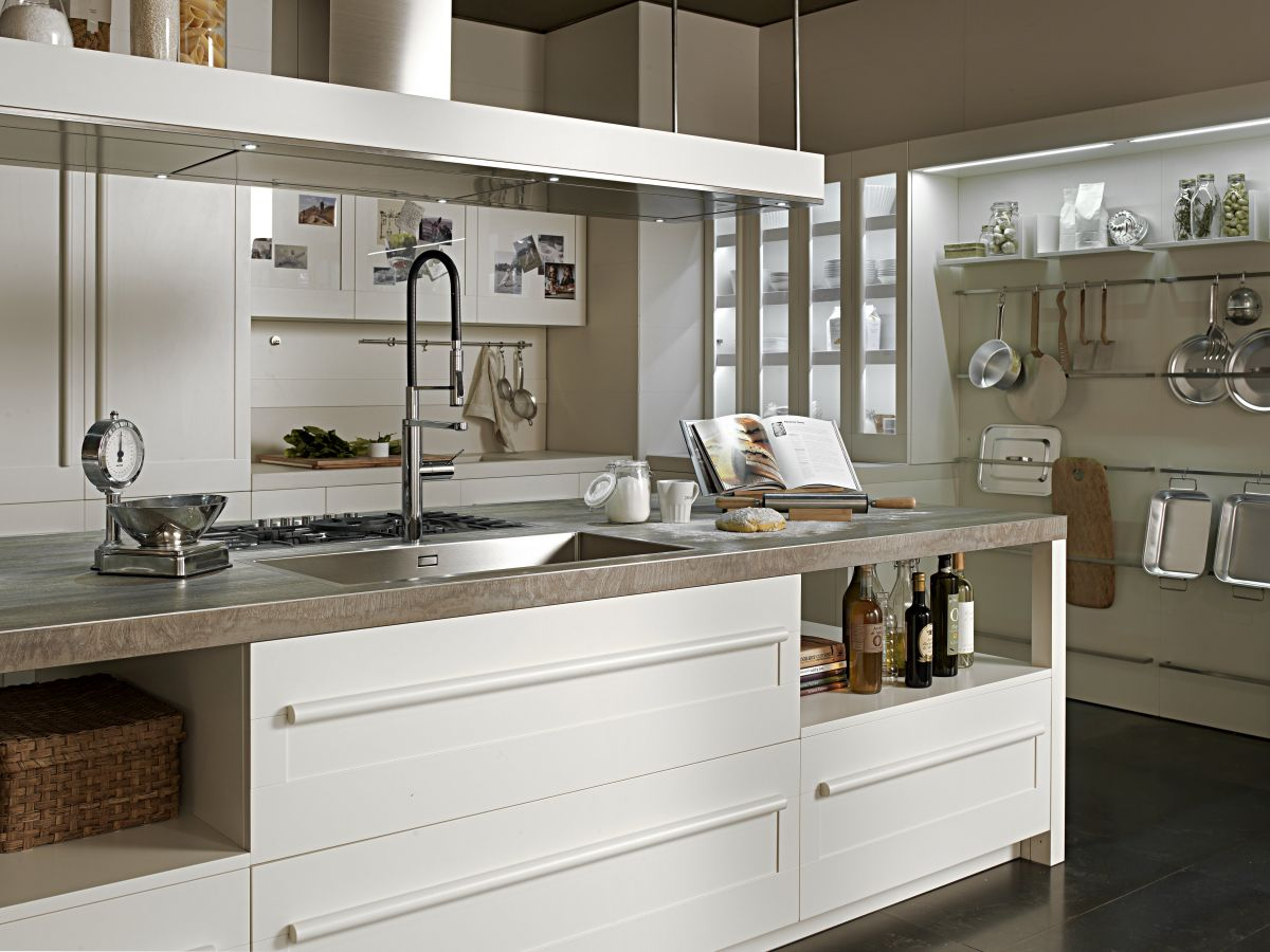 Sunday | Salvarani Cucine | Jazzing it up! | Home Decor ...