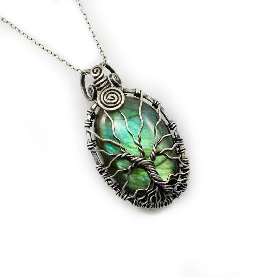 Perfect gift for my sister <3 Teal Labradorite Tree of Life pendant di DreamingTreesJewelry