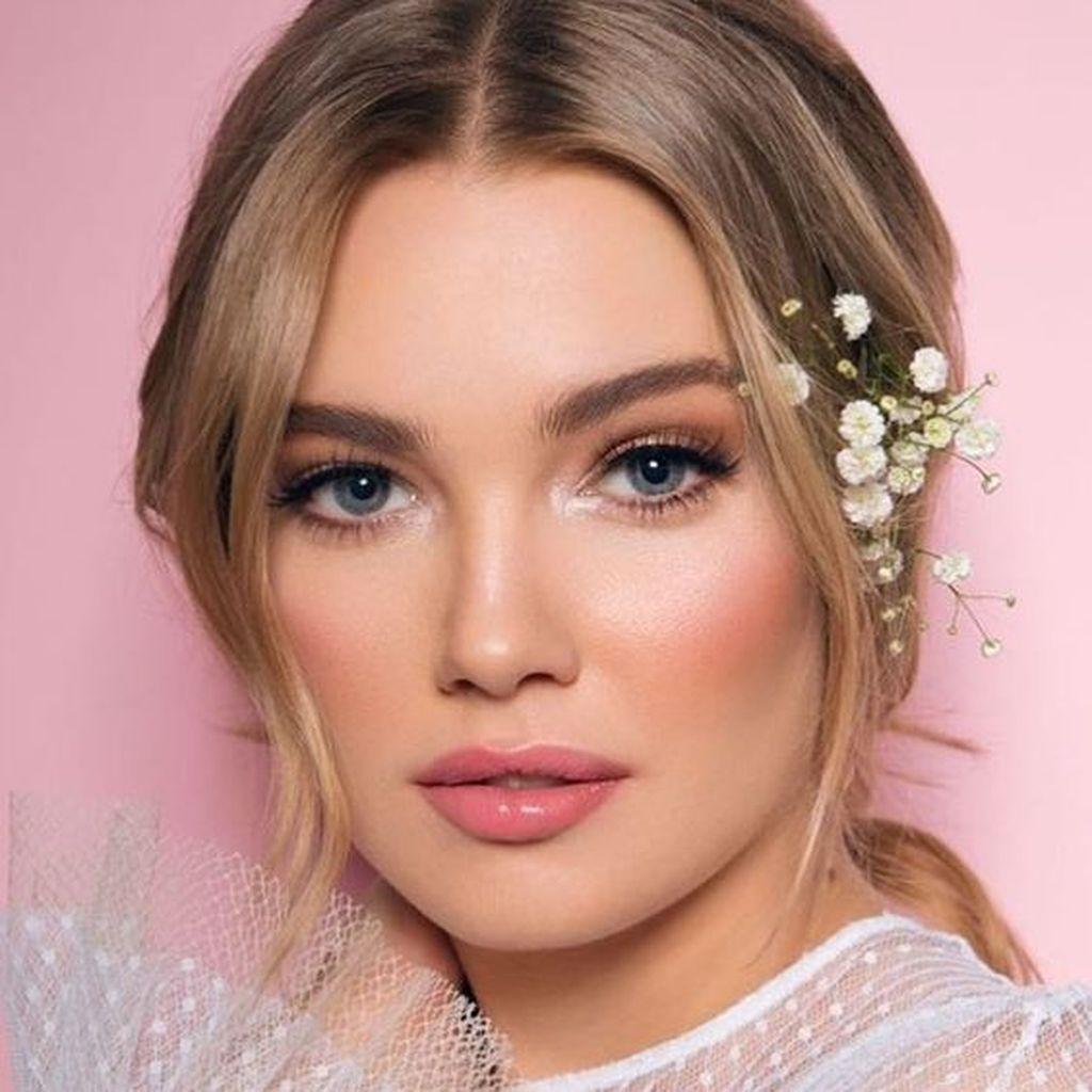 Simple Wedding Make Up Inspirations  Bride makeup natural