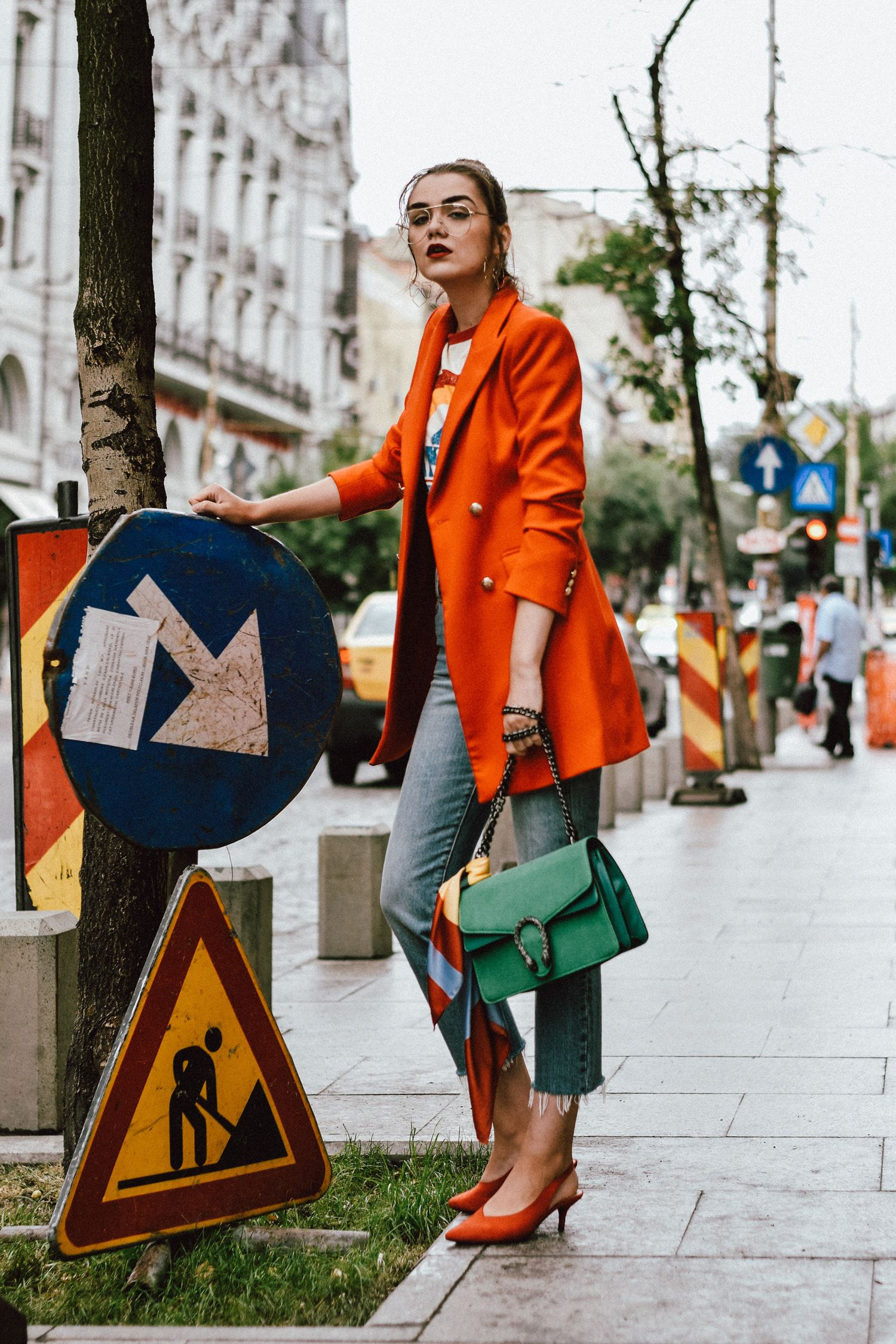 134be188ad4f Оранжевый блейзер Zara, двуручный пиджак из азоты, куртка с двубортным  курткой, золотые серьги, ретро-графический тесьма манго, футболка с цветным  блондином ...