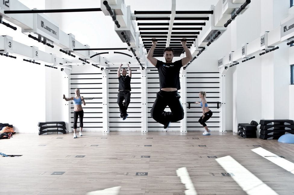 The Queenax Studiosystem A Unique And Versatile Fitness Studio System For Gyms Not Only Convinces With Its Functionalit Fitnessstudio Fitnessroom Fitnessraum