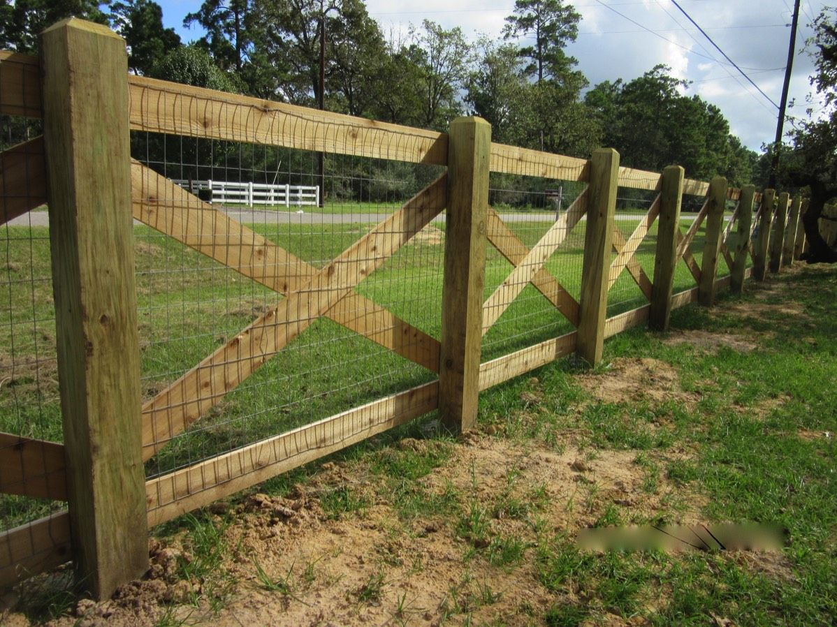 20 Crossbuck Wood With Wire In 2020 Wood Fence Fence Design Wire And Wood Fence
