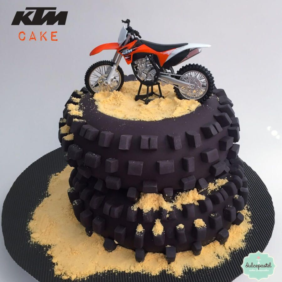 Torta Moto Ktm Ktm Motorcycle Cake By Giovanna Carrillo With