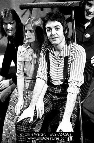 Wings 1973 Denny Seiwell, Linda McCartney, Paul McCartney and Denny Laine   © Chris Walter