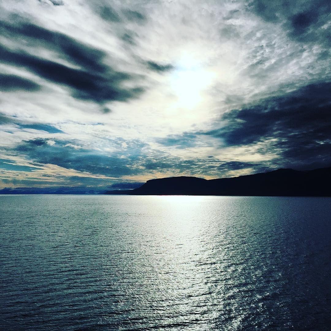 Twiolins-Grüße aus Spitsbergen #twiolinsontour #beautifulnorway #spitsbergen #glacier #norway #worldtraveller #placestovisit #lovemyjob #musicianslife #cruiselovers #msamadea