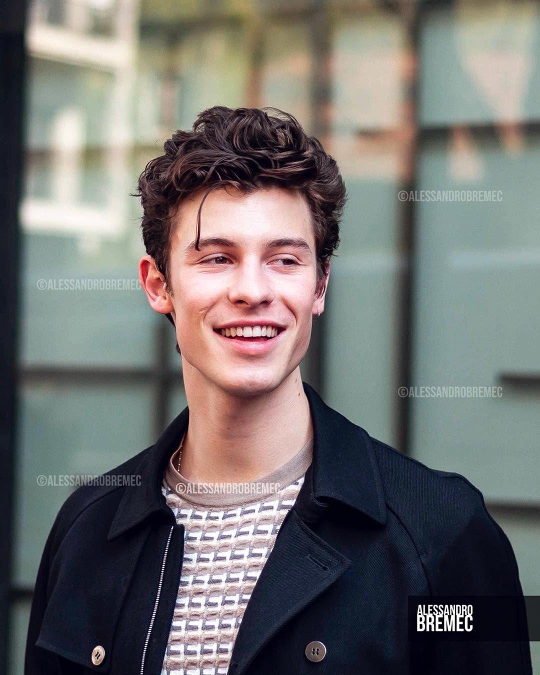 Shawn Mendes Handwritten Meet Greet Emporio Armani Store Milano 24 03 2019 Shawnmendes By Alessandrobremec C Alessa Shawn Shawn Mendes Mendes
