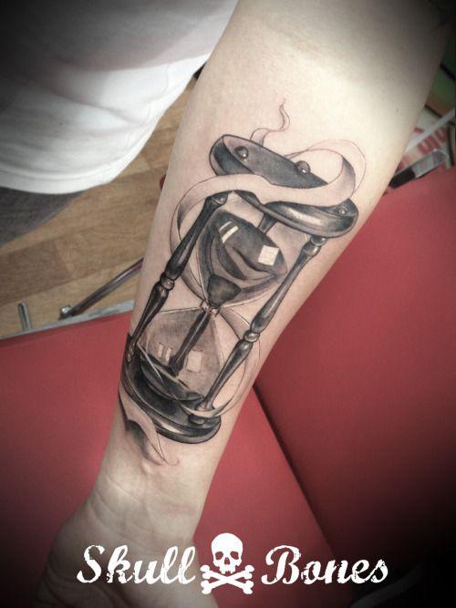 Tattoo Reloj De Arena Buscar Con Google Hourglass Tattoo