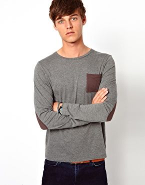STUNNING KNITTED PULLOVER JUMPER WITH RHINESTONES ON POCKETS AND ON ELBOWS.