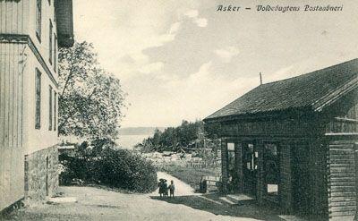 Akershus fylke Asker kommune Voldebugtens Postaabneri. Nærbilde. M/barn på veien. Ca. 1920 Produsent/foto:J.H.Küenholdt