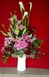 Bunga meja adalah bunga ucapan dan bunga penghias suatu ruangan bisa di dapat di TOKO BINGA DI JAKARTA yang dikenal TOKO BUNGA MURAH.