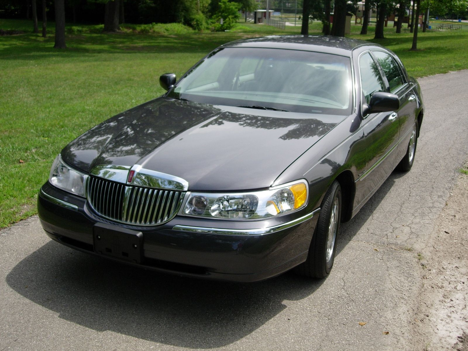 Call Austin Hees Limo 5128032836 Classic Cars Lincoln Town Car