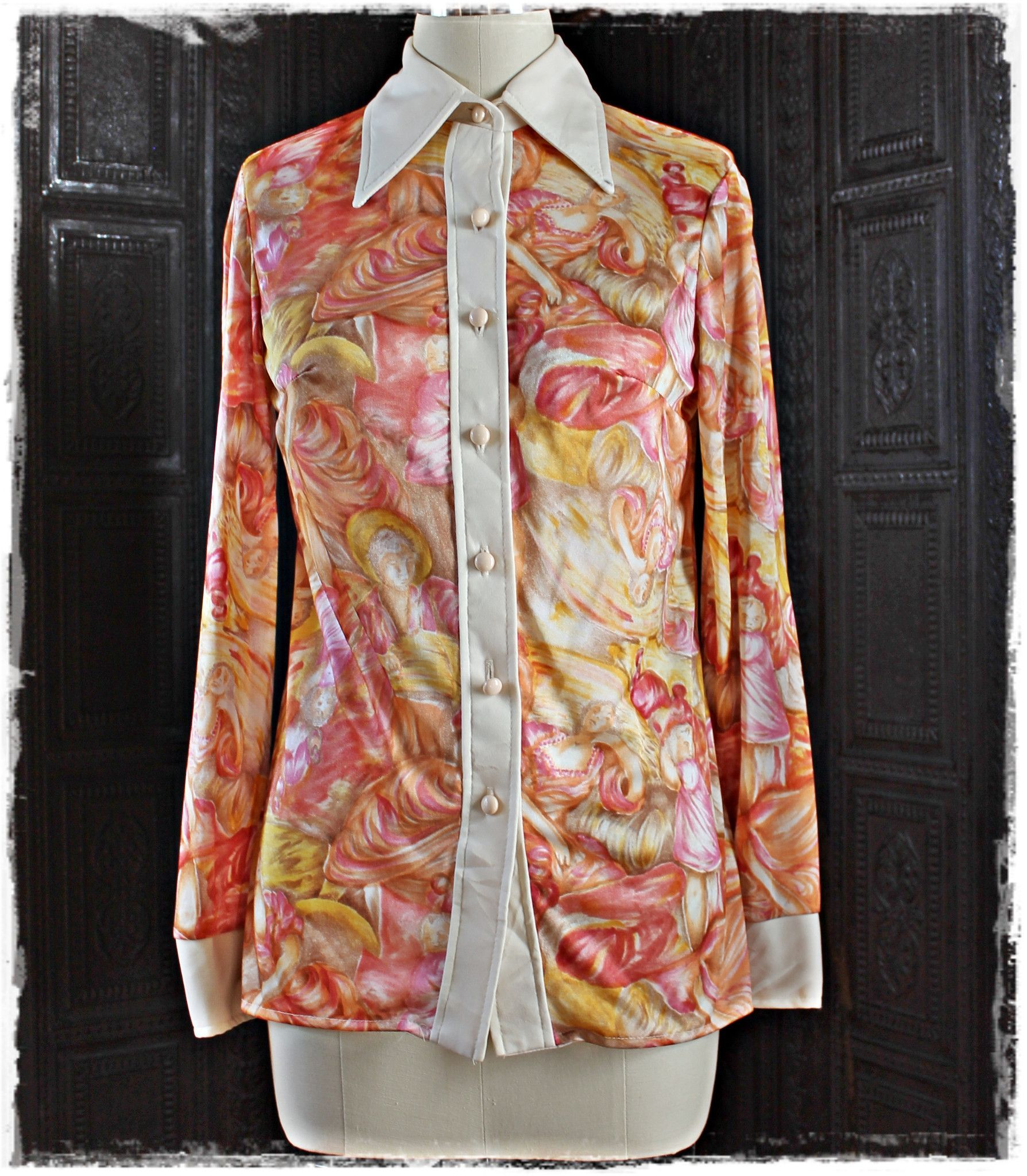 """Iridescent nylon 70's """"jcpenney"""" pointed-collar people-pattern blouse"""