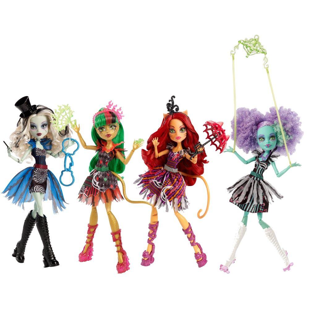 Freak du Chic Monster High Dolls 2015  Frankie Stein Jinafire