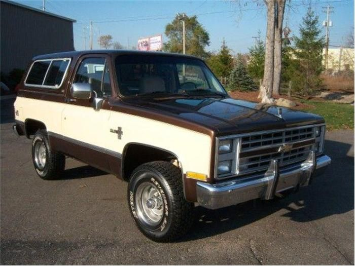 1980 Chevy Blazer My Father Used To Drive A Grey One Of These With A Black And White Houndstooth Style Print Cloth Interior It S A Mon Chevrolet Blazer Chevy Blazer K5 Chevy
