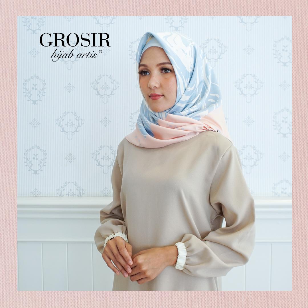 Pin On Hijab Jilbab Kerudung Segi Empat Motif Dan Instan Bergo Khimar Syari Pashmina Satin