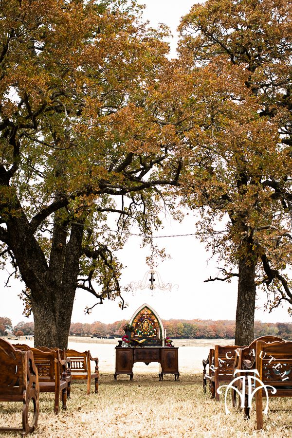 Clic Oaks Ranch Wedding Reception Venue Mansfield Barn Horses Country Rustic Vintage By Tracy Autem Photography