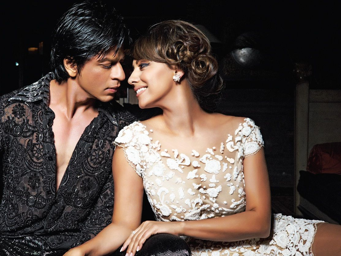 In This Super Exclusive HELLO We Get King Khan Shahrukh The
