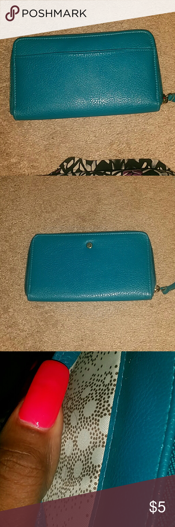 Ladies Wallet Clean inside and out  Holds credit cards or etc other Bags Wallets