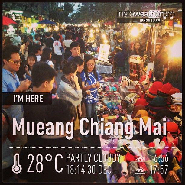 ถนนคนเดินเชียงใหม่ (Chiangmai Walking Street) in เมืองเชียงใหม่, เชียงใหม่