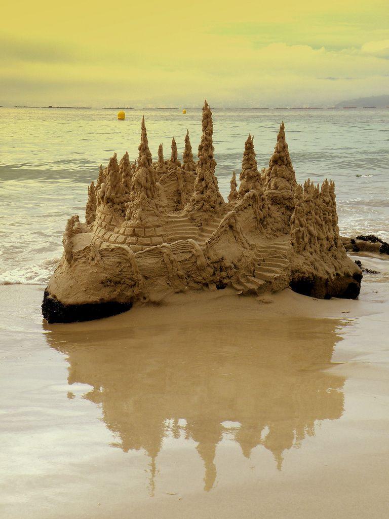 25 Summer Sandcastles | Built by Kids | Sand sculptures