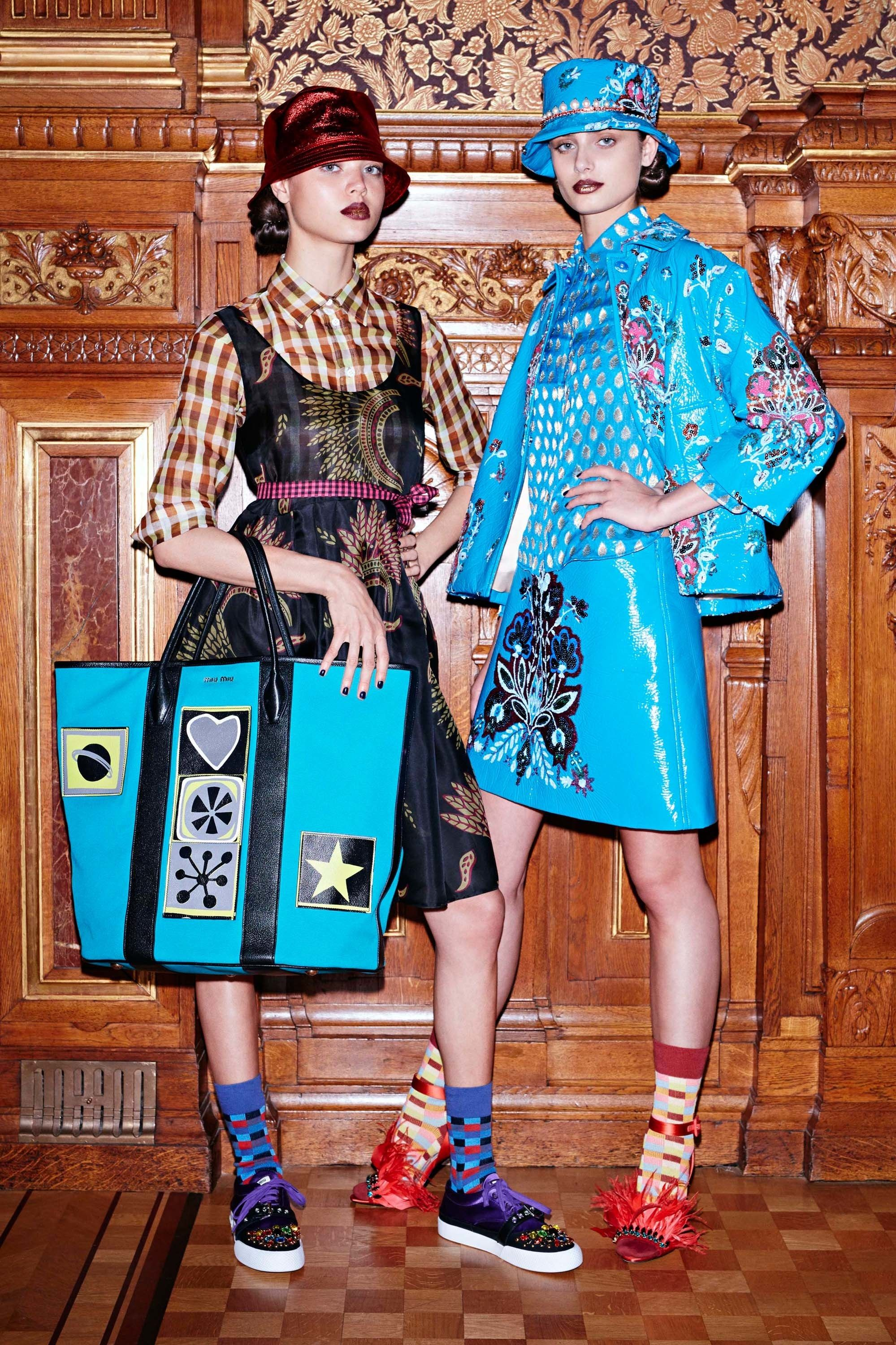 MiuMiu  fashion  Koshchenets Miu Miu Resort 2017 Collection Photos - Vogue b4bdff828fad6