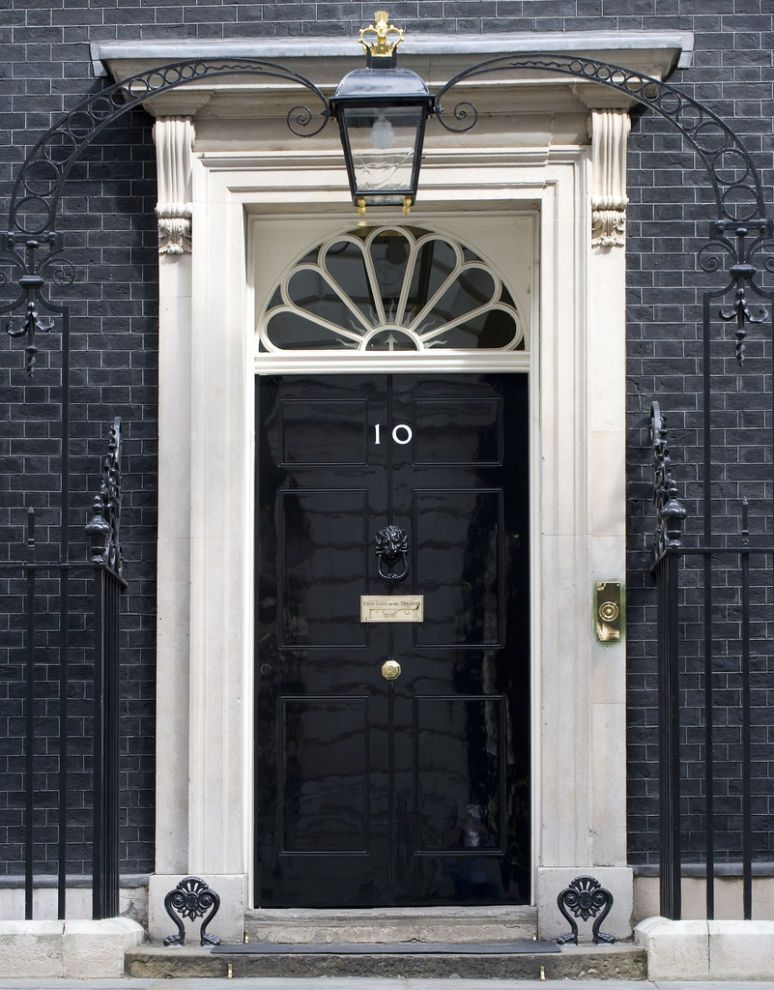black door 10 downing street london come in looking