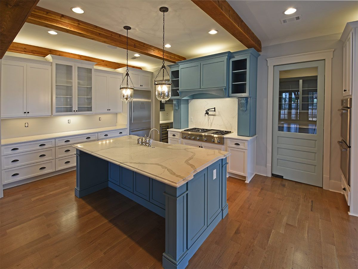 Wow Those Blue Cabinets Though So Unique And So Beautiful Definitely Need This Kitchen In My Life Visit Our Website For Magnolia Homes Home Kitchens Home