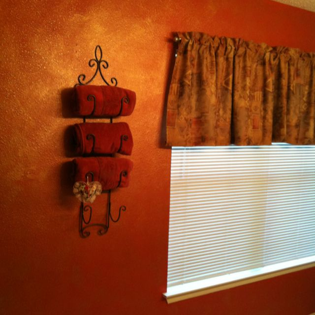 What A Little Paint Can Do For A Room Used A Burnt Orange With Golden