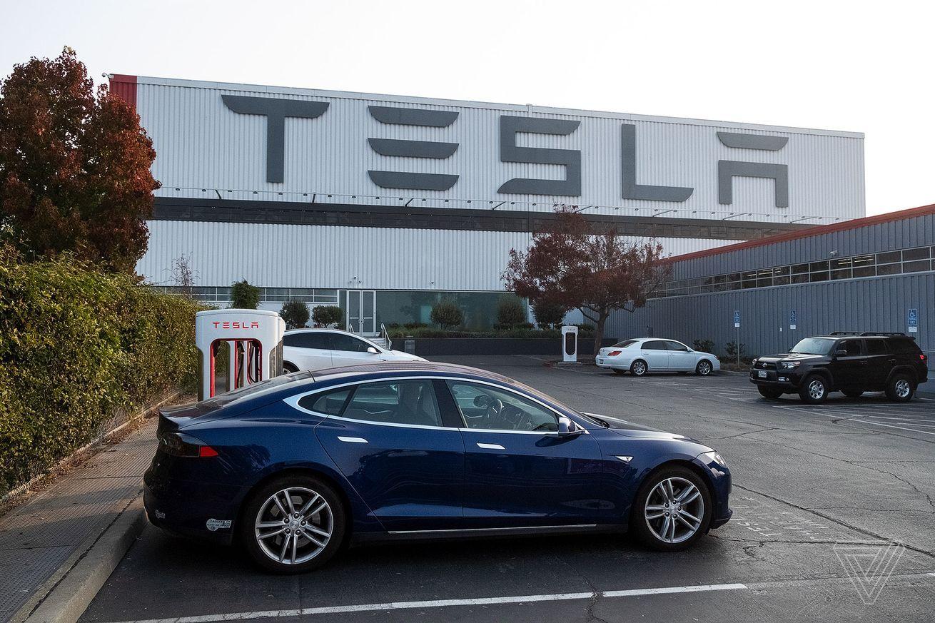 Tesla S Autonomous Parking Feature Has Been Used Over A Million Times Tesla Car Insurance Tesla S