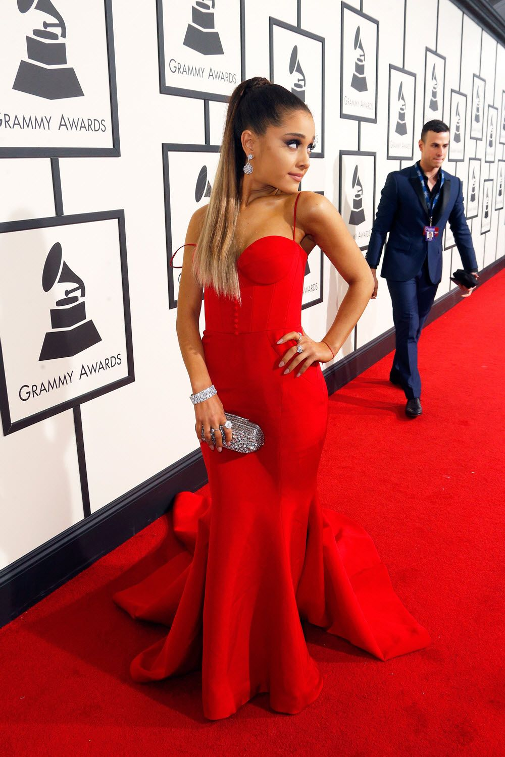 48c016fec10 Ari at the Grammy s 2016 She looks so Beautiful! ♡ Pinterest     1kco0zwe8r4mzzk.