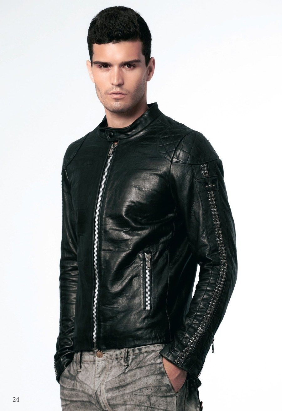 To Buy The Best Leather Jacket For Men Just Follow These 6 Steps Pouted Com Leather Jacket Men Mens Fashion Summer Leather Jeans Men [ 1309 x 900 Pixel ]