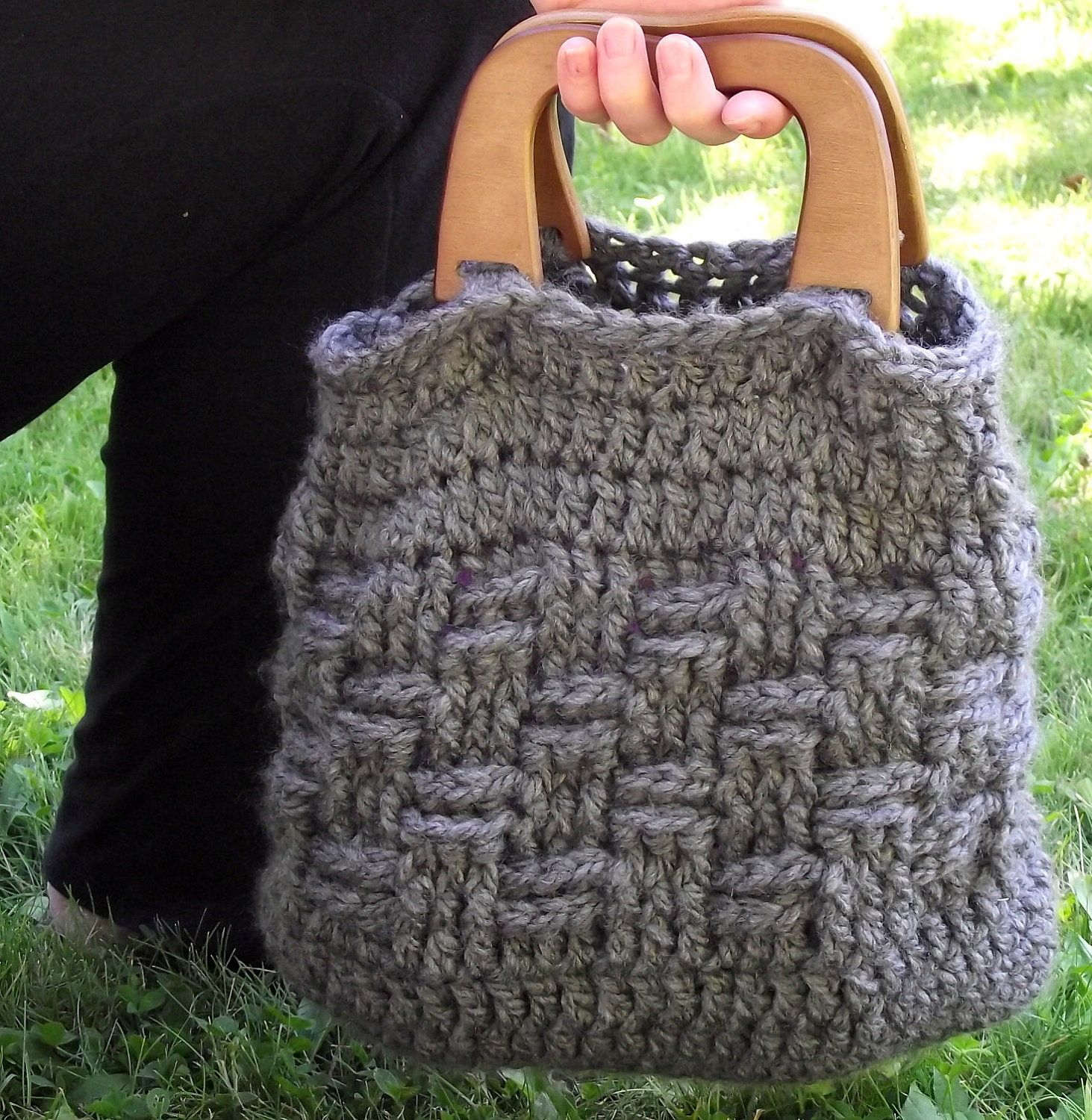 Dorable Free Crochet Purse Patterns With Wooden Handles Cresta ...