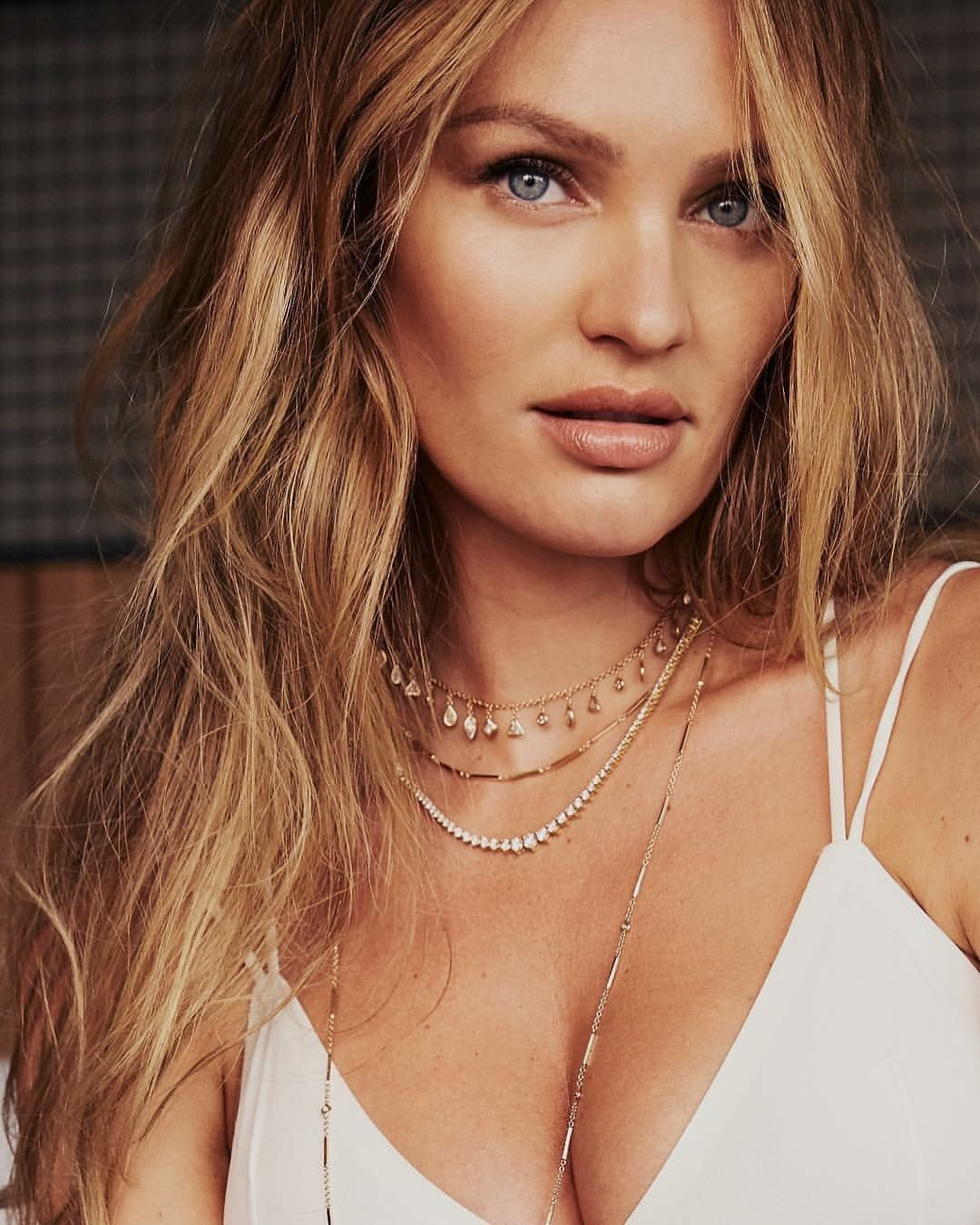 pics Candice Swanepoel's Organic DIY Mask for a BrighterComplexion