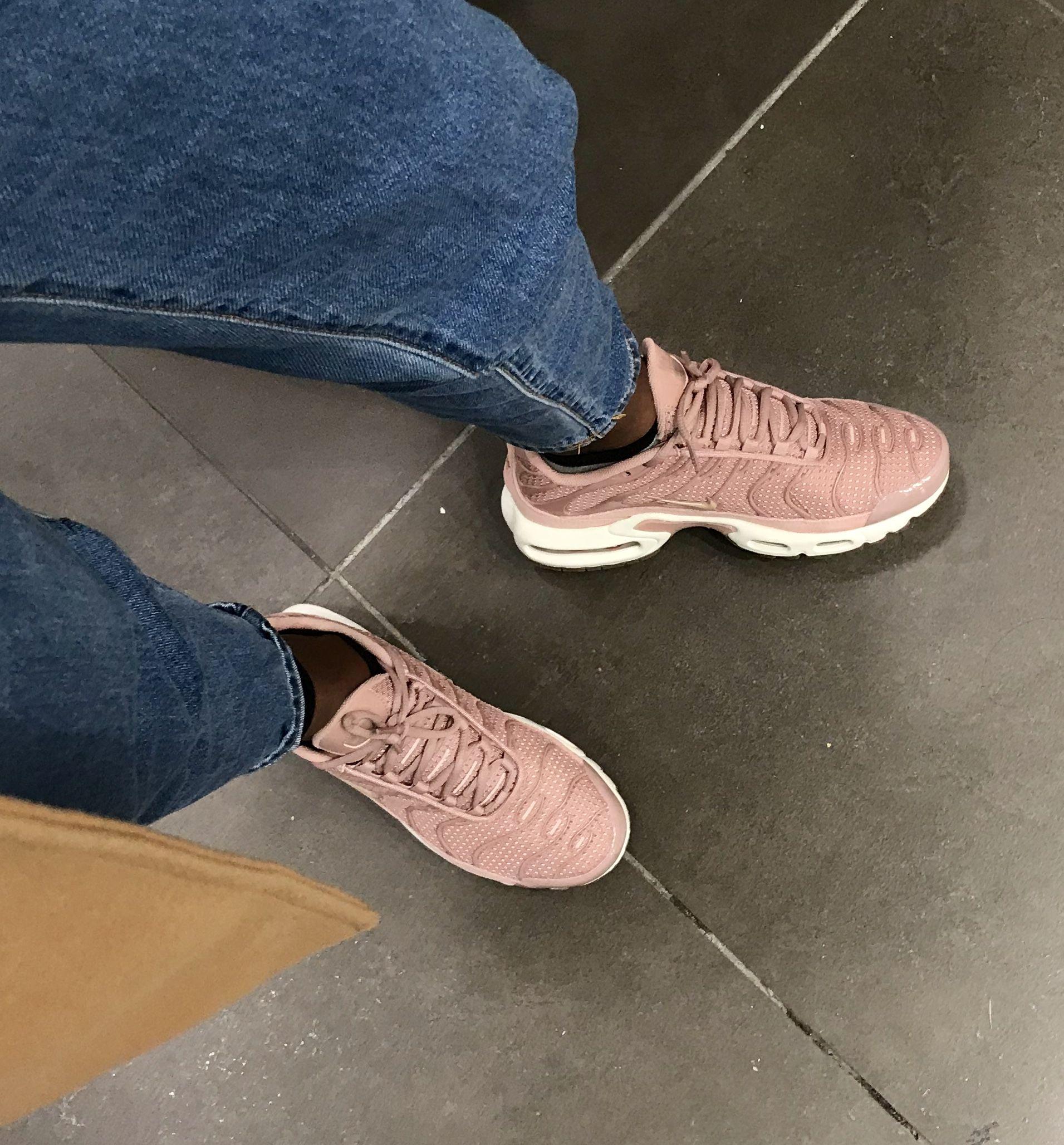 Nike Air Max Plus - Particle Pink | Air