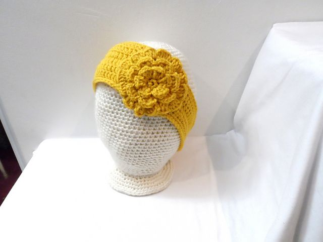 Headband with flower pattern by MiniShu Boutique