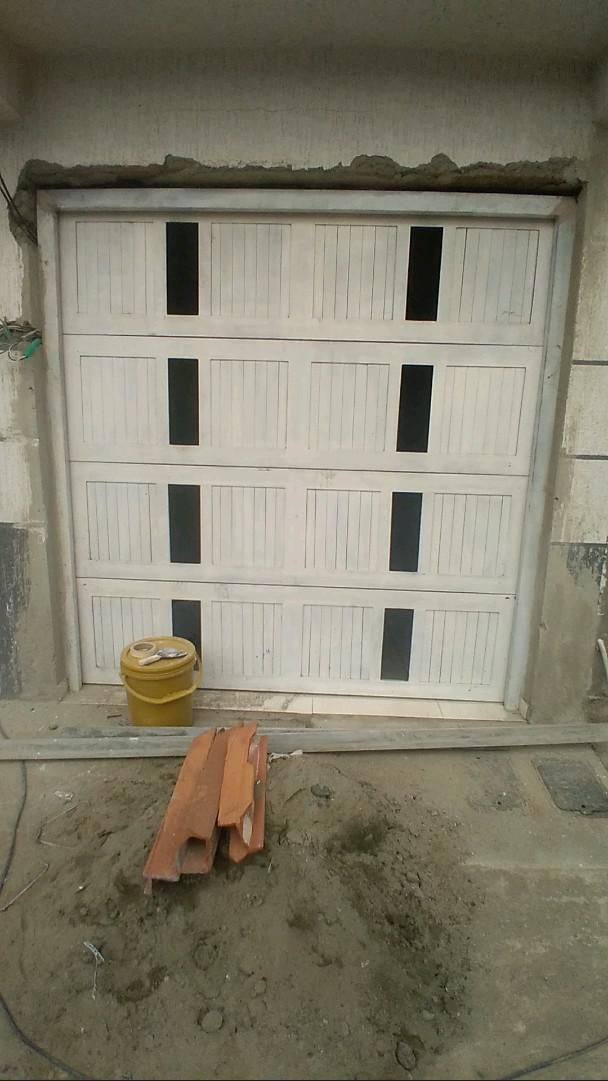 puerta eléctrica  Muñoz Donatres