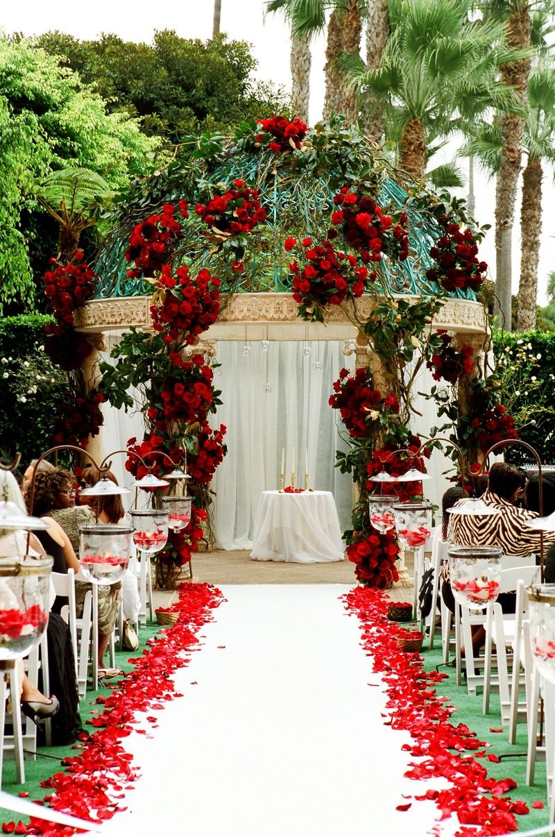 Red Rose Ceremony Décor Photography Yvette Roman