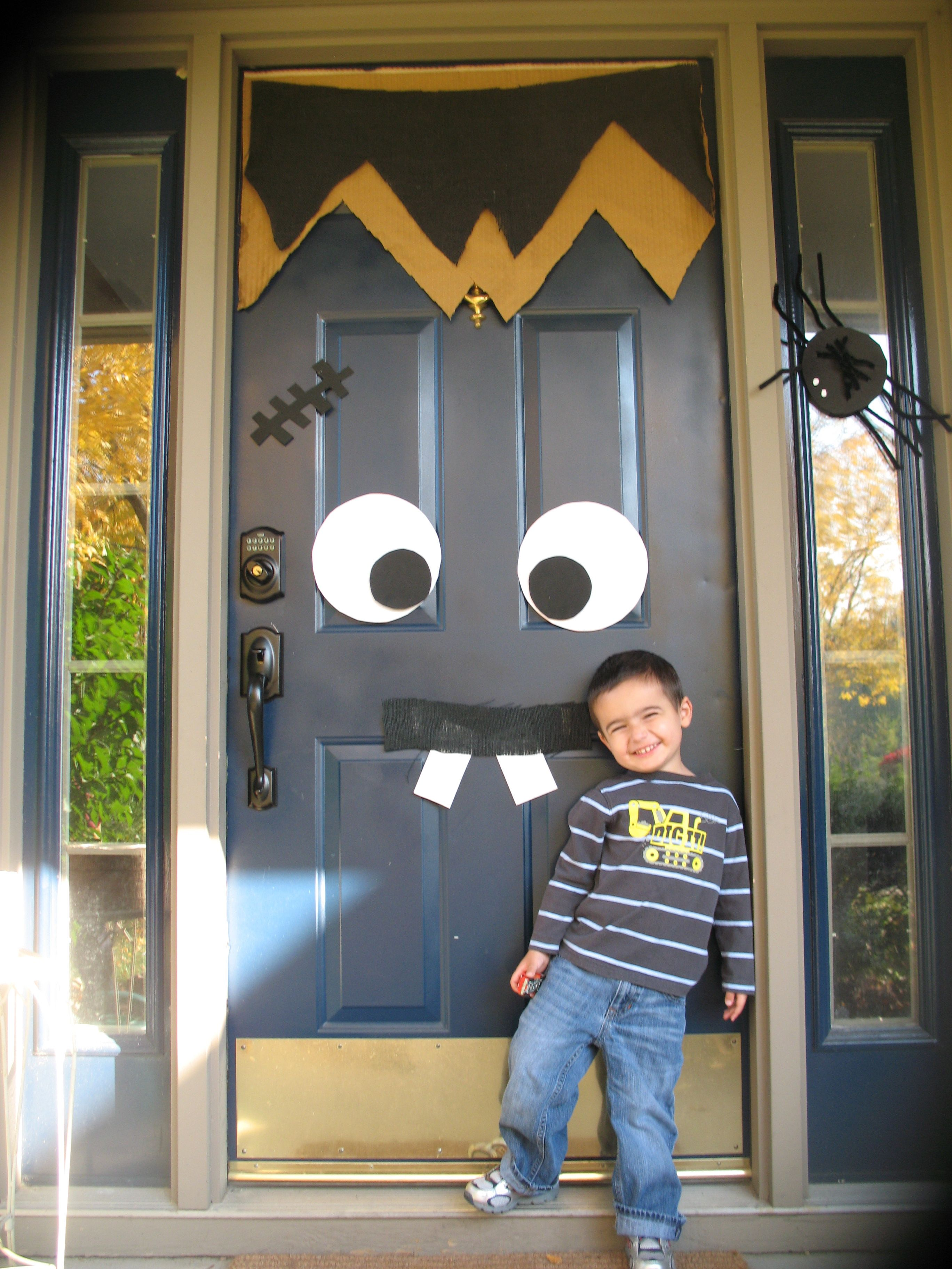 Thanks to Pintrest for a great Halloween door idea!