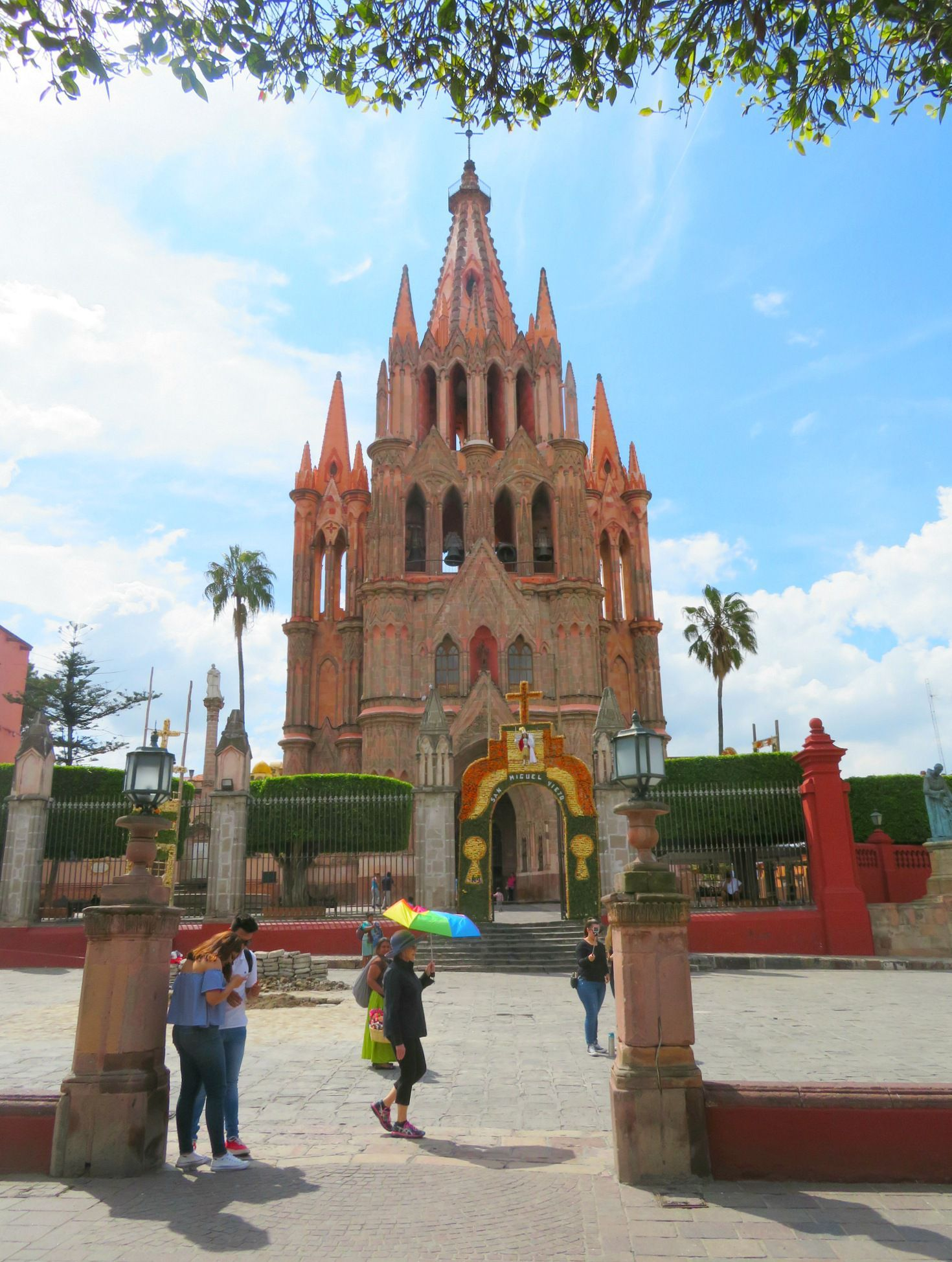 Parroquia San Miguel de Allende de Arcangel ~ What to do in San Miguel de Allende, Mexico with kids