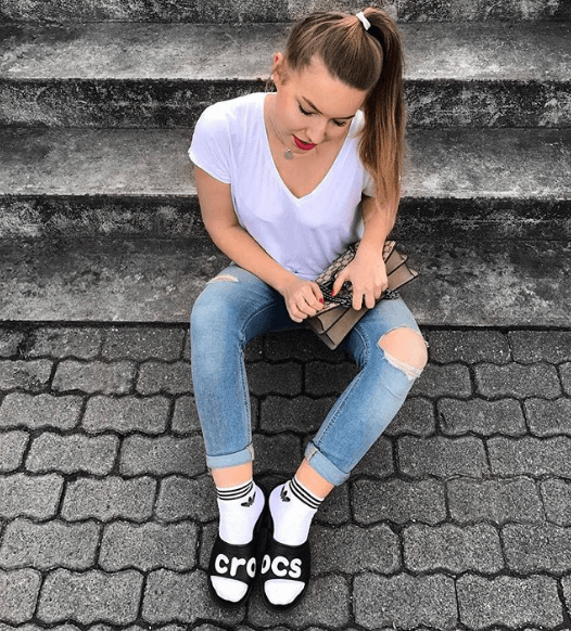 Women Outfits With Crocs 27 Ideas On How To Wear Crocs Clothes For Women Outfits Women