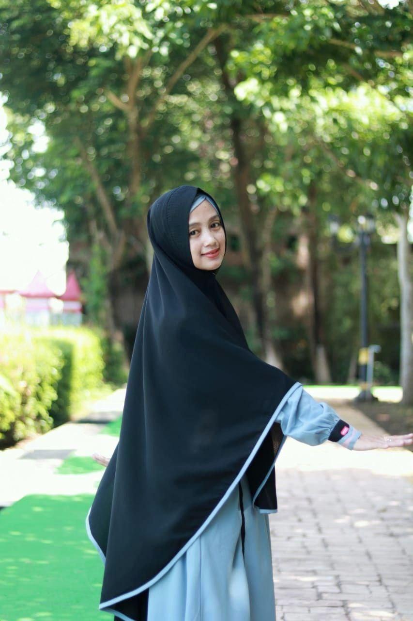 Koleksi Model Gamis Syari Polos Terbaru 2020 By Aulia Fashion Gaya Busana Warna Pakaian Wanita