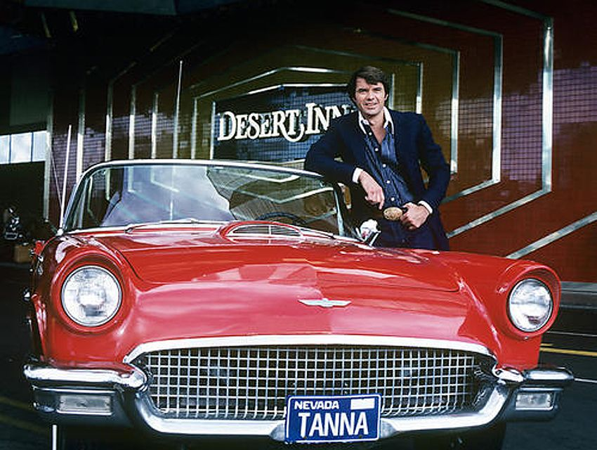 Fifty Years Of Dan Tana S In Pictures Los Angeles Magazine Tv Cars Cars Movie Vega