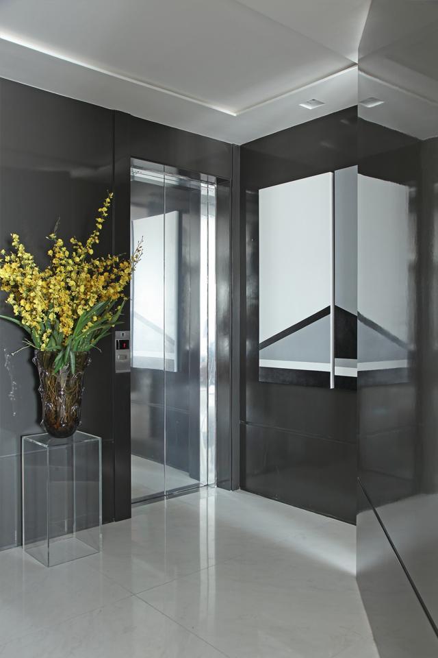 Hall do elevador u2013 veja modelos lindos e dicas de como decorar! Veja muito mais fotos, dicas e  # Como Decorar Hall De Entrada De Elevador