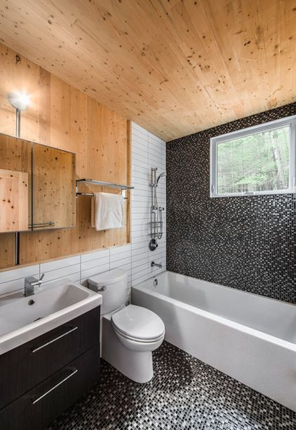 By Photolux Commercial: Contemporary Bathroom By Photolux Commercial Studio